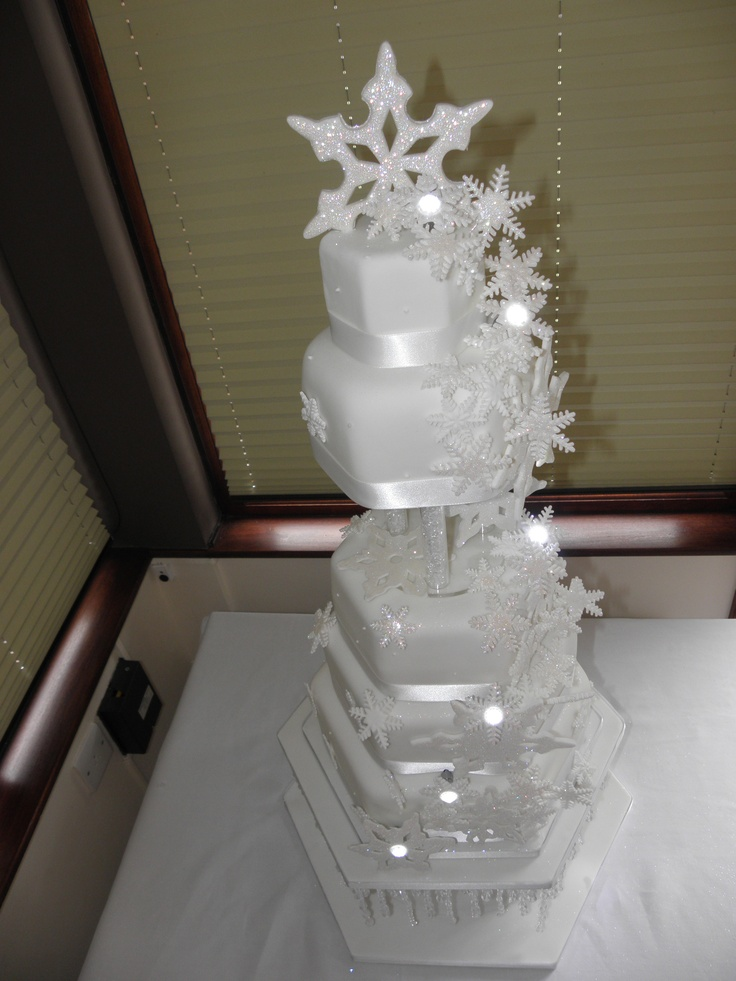 christmas wedding cake toppers 154 best images about wedding cakes on 12843