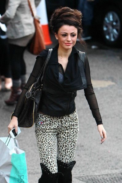 "Cher Lloyd Photos Photos - Cher Lloyd, who is mentored by Cheryl Cole, arrives at ""The X Factor"" studios ahead of tonight's live show. - Cher Lloyd at Fountain Studios"