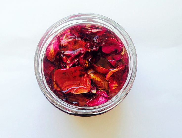 Rose infused almond oil, coffee infused coconut oil and much more. Learn how to make some beautiful and unusual oil infusions.