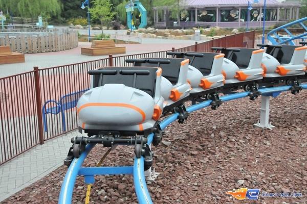 8/11 | Photo du Roller Coaster The Barkyardigans - Mission To Mars situé à Movie Park Germany (Allemagne). Plus d'information sur notre site http://www.e-coasters.com !! Tous les meilleurs Parcs d'Attractions sur un seul site web !! Découvrez également notre vidéo embarquée à cette adresse : http://youtu.be/ztvRclHdpwQ