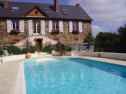 Amazing Vine Cottage A Romantic Detached Cottage On Rivers Edge. La Briquerie Is A  Very Special Place Previously A Period Hunting Lodge With 2 Separate  Detached ...