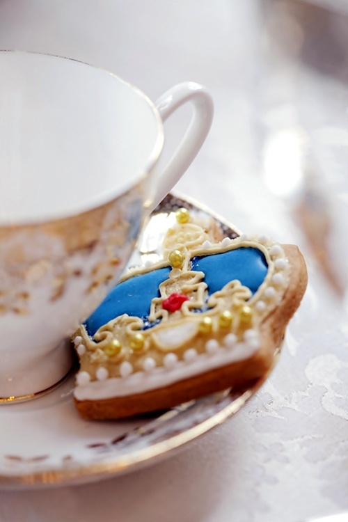 A cuppa and the crown jewels what else do you want?