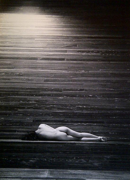Laetitia Casta allongée nue