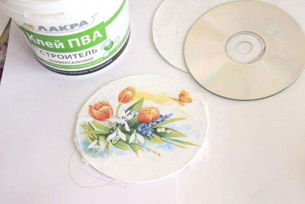 Decoupage sobre cds 7