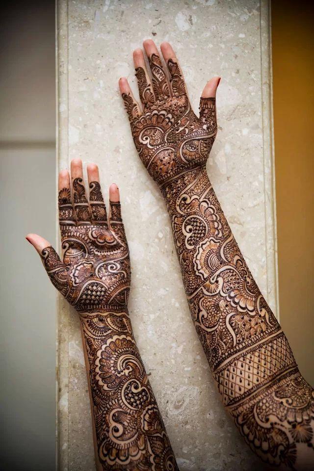 Intricate bridal henna. Wedding mehendi