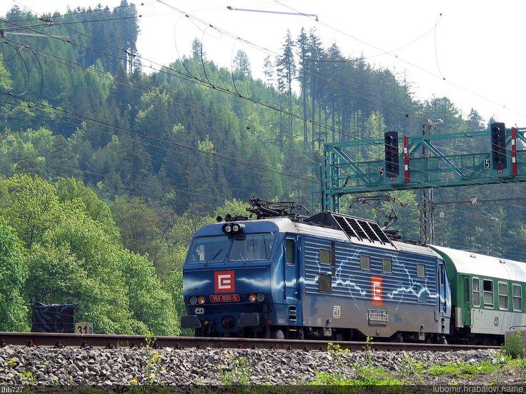 https://flic.kr/p/QyYSKL | Duhovka_IMG_4418 | Reklamní lokomotiva ČD - Duhovka 151.001