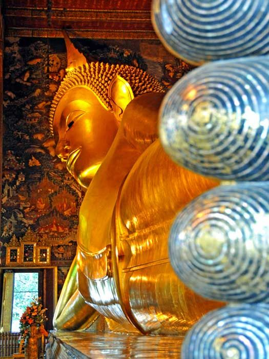 Reclining Buddha in Bangkok, Thailand. Photo by archer10 (Dennis)