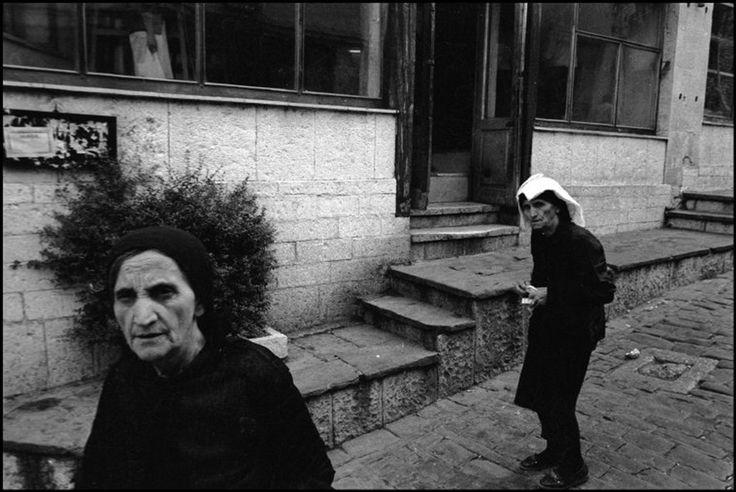 A set of photographs by Nikos Economopoulos | Pavel Kosenko's blog (English version)
