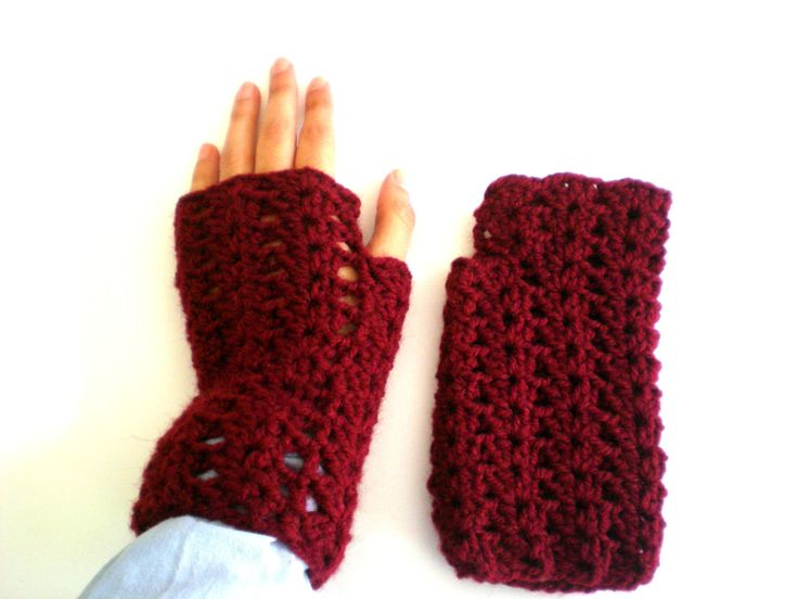 Burgundy wool mittens knitted crochet, handmade, burgundy, woman mittens, wool, winter, fall, cold, burgundy wool, teen de ArtesaMia en Etsy