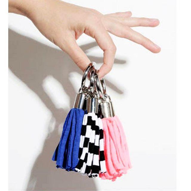 #lanovski_inspiration хлопковая пряжа настолько многофункциональная, что не знаешь за что браться первым делом 😱😄 достаю крючки и spaghetti, будем творить 😉 -------- #handmade #sale #ukraine #knit #knitting #crochet #knittingforsale #yarn #cotton #madeinukraine #ukraine #knittersofinstagram #accessories #ручнаяработа #украина #колье #jewelry #jewels #jewel #fashion #fashionista #accessory #instajewelry #stylish #jewelrygram #fashionjewelry #necklace