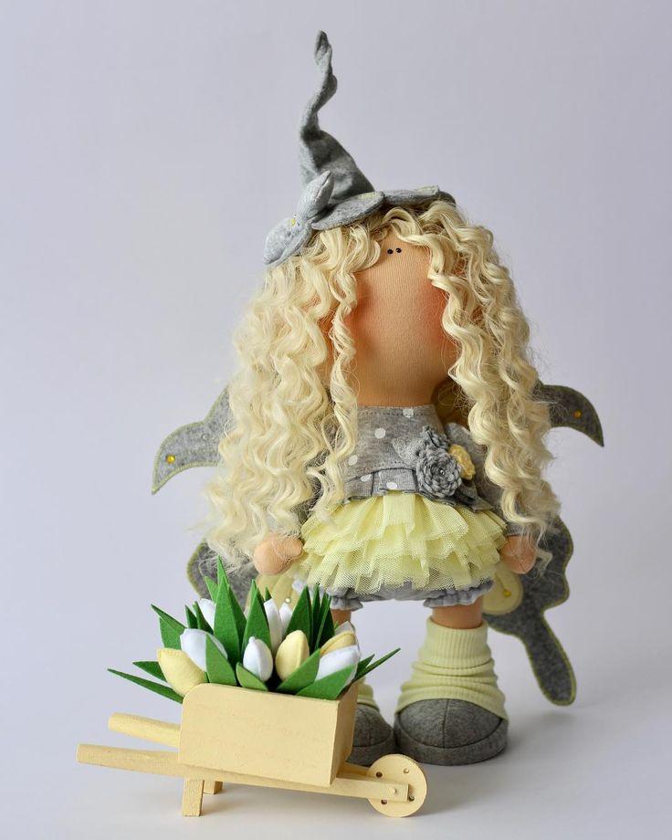 А вот и я!!!!! Озорной одуванчик!!!! Куколка сделана на заказ. ................ #milahandycrafts #handmadedoll #handmadepresent #tilda #butterfly #elf #fairytail #fabbyhandmade #art #handywork #hobby #instalike #кукла #куклатильда #интерьернаякукла #текстильнаякукла #бабочка #ельф #сказка #волшебство #подарокручнойработы #подарокнаденьрождения #авторскаякукла #творческаямастерская #творческаямама #шьюкукол #длядочки