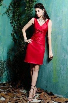 Robe moulante pour cocktail rouge courte au genou décolleté en V