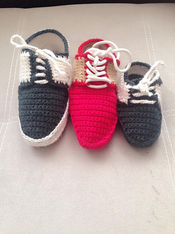 3bd35d225cba Baby Crochet baby sneakers Vans style