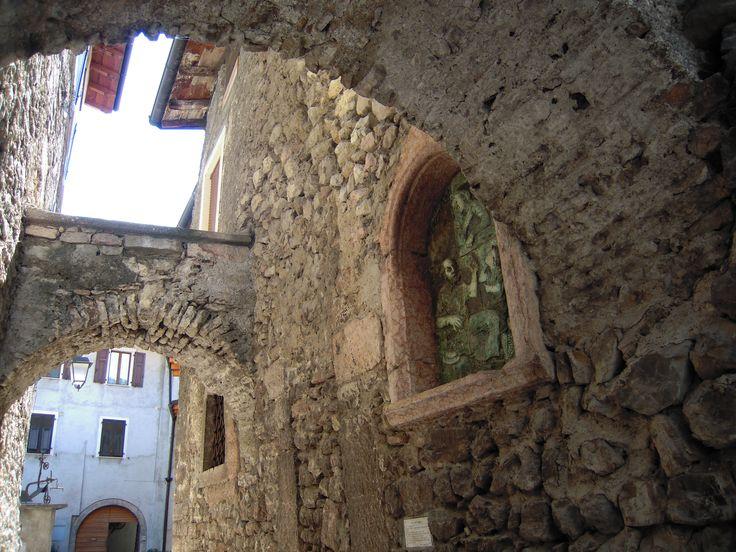 Uno scorcio della parte antica di Arco