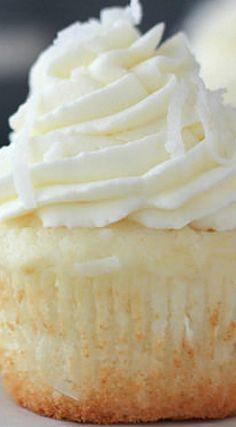 Coconut Cream Pie Cupcakes