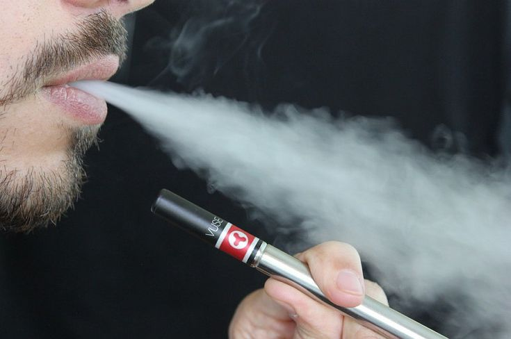 Estudio revela que los cigarrillos electrónicos son potencialmente tan peligrosos como los cigarrillos de tabaco