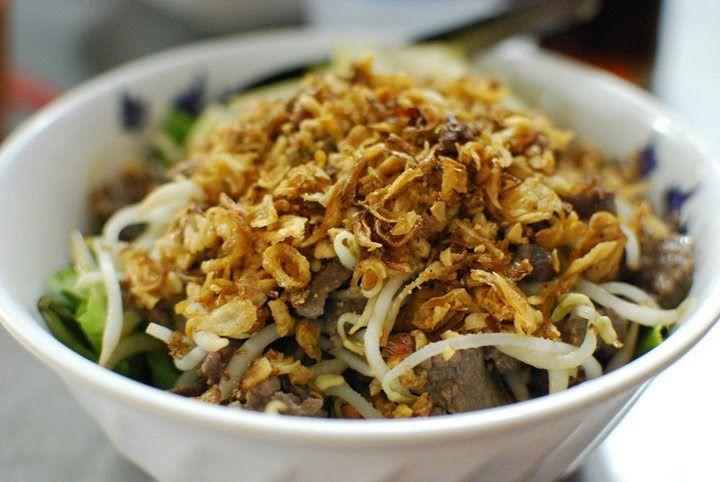 Bo Bun   Voici la recette du Bo Bun (ou Bun Bo), une des spécialités très connue du Vietnam dans le monde.   Recette pour 2 personnes :  ...