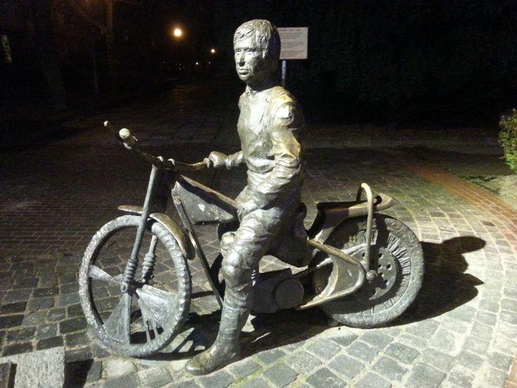 Pomnik Edwarda Jancarza w Gorzowie Wielkopolskim Gorzów Wielkopolski