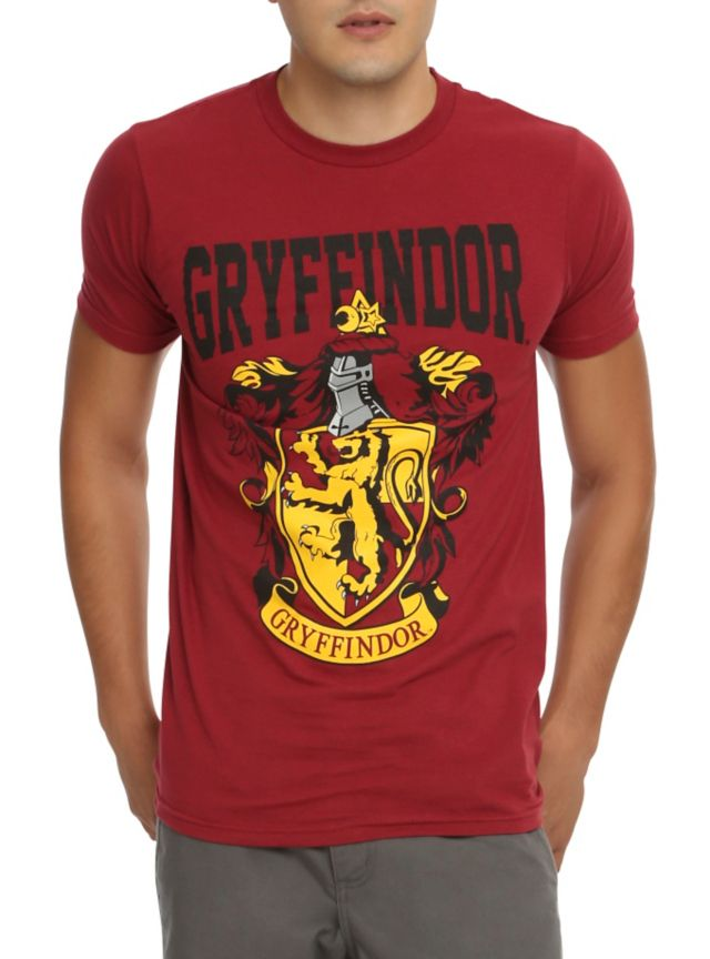 T-shirt from Harry Potter with Gryffindor shield design.