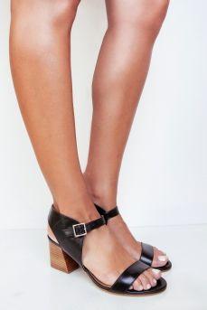 ZILIAN :: Loja Online | sapatos :: SPRING SUMMER :: Sandálias em pele preta