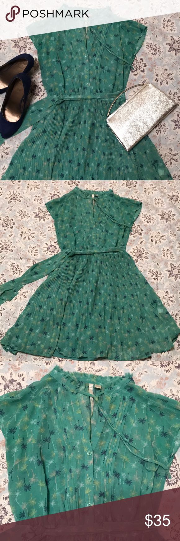 LAURA CONRAD- 50's inspired Dress LAURA CONRAD- 50's inspired Dress LOVE THIS DRESS! Flowing fabric, cute mock neck with tie and tie at waist. SIZE 4 LC Lauren Conrad Dresses Midi