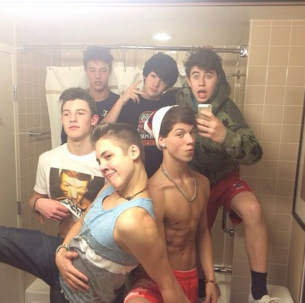 Shawn Mendes, Cameron Dallas, Matthew Espinosa, Aaron Carpenter, Taylor Caniff, and Nash Grier