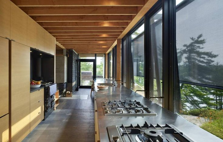 At a time when big, showy buildings are going up in cottage country, Ian MacDonald wanted to build something new and bold without disrupting the surroundings