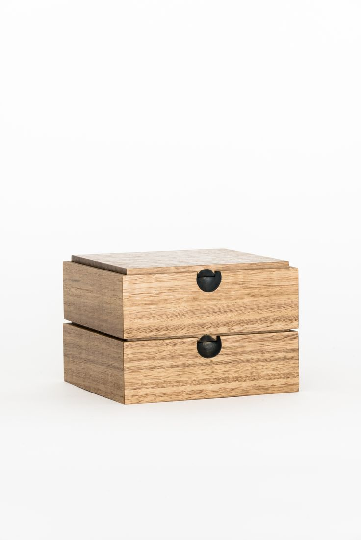 https://councilofobjects.com.au/shop/tur-box-tasmanian-oak Tur Box - Tasmanian Oak Styling: Elise Short of Council of Objects Photography: Sven Kovac Location: The Props Dept.