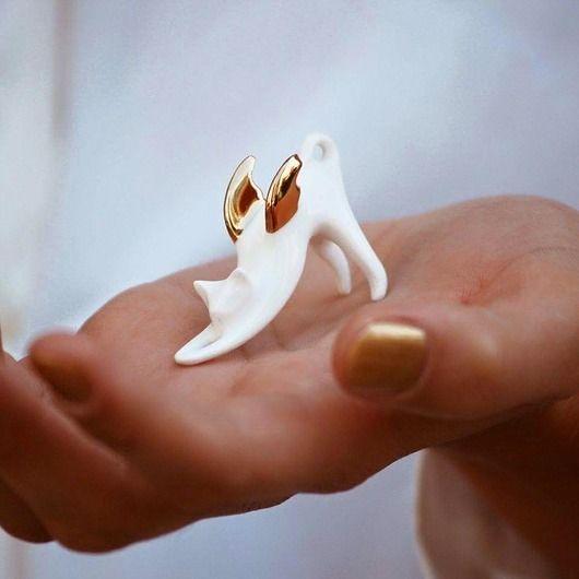 Kotek z porcelany