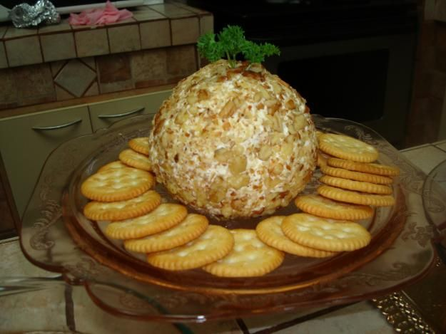 Bola de jamonilla, queso y piña