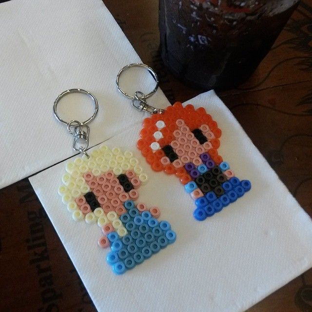 Elsa and Anna - Frozen hama beads by cliquemybeadsig