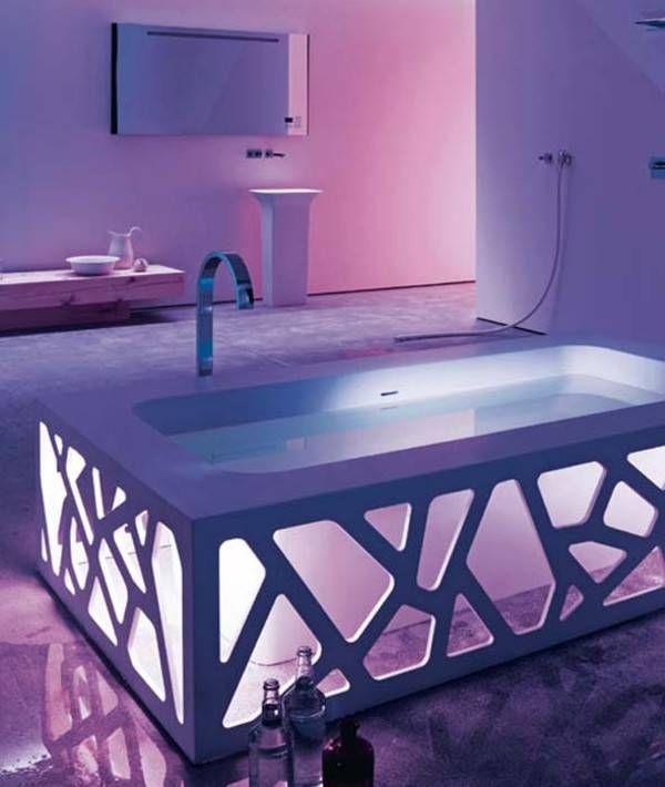 Unusual bathtub