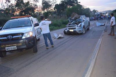 O grave acidente envolvendo uma caminhonete Chevrolet S10 e um caminhão Mercedes Benz, aconteceu por volta das 4:20 h desta quinta feira...