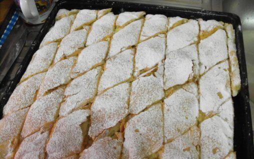 Retete Culinare - Placinta cu branza si stafide