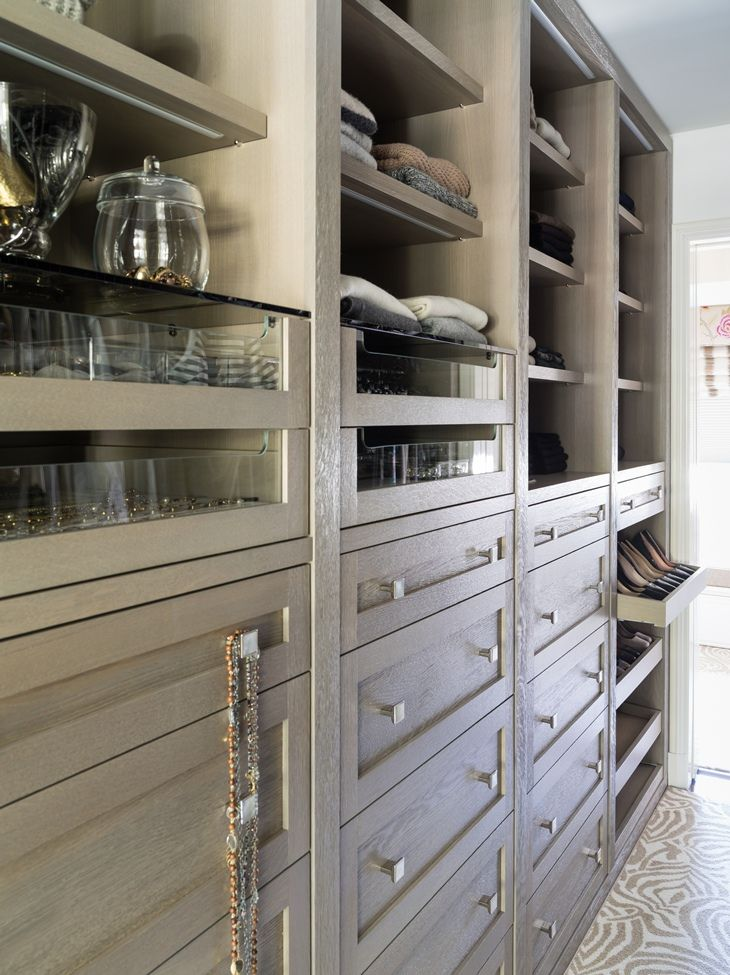 Organized Closet By Les Ensembliers