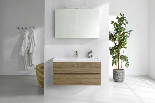 #Primabad #badkamermeubelen Get up De compacte uitvoering van de Get Up maakt dit badkamermeubel uitermate geschikt voor wie ruimte wil besparen in de badkamer, maar toch wil beschikken over verrassend veel opbergruimte. De Get Up heeft een diepte van 40 cm. Meer informatie over dit #badmeubel  http://www.wonenwonen.nl/badkamermeubels/primabad-badkamermeubelen/10042