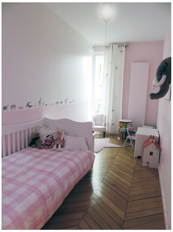 17 best images about enfant on pinterest lovely things bebe and boy girl room. Black Bedroom Furniture Sets. Home Design Ideas
