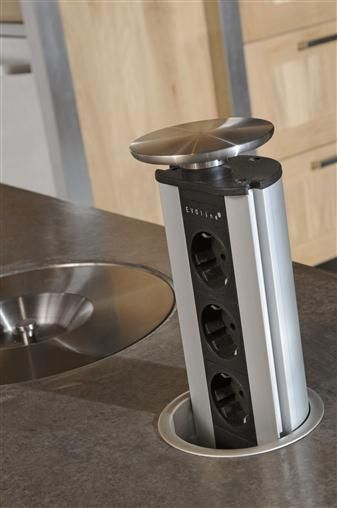 oplossing voor meer stopcontacten! ECO Keukens, specialist in houten keukens en lande - Keuken2