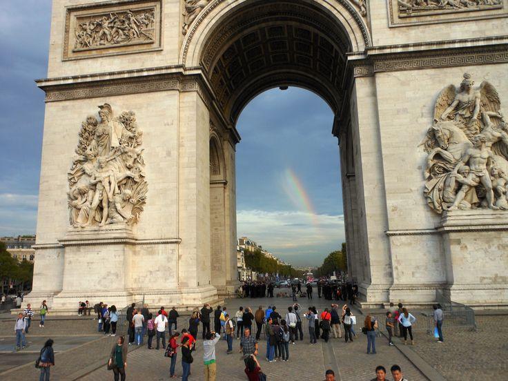 Arc de Triomphe Rainbow 2013