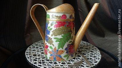 """Лейка """"Райский сад"""". Декорирована в технике декупаж.  Может использоваться в качестве вазы для цветов или просто для украшения интерьера вашего дома или дачи."""