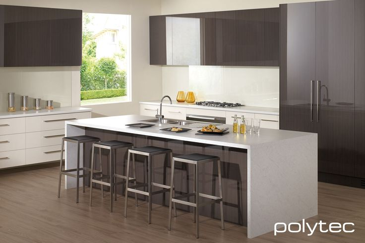 polytec - Doors in CREATEC Truffle Lini and Porcelain. Bench top in LAMINATE Carrara Matt and Snow Fabrini Matt.