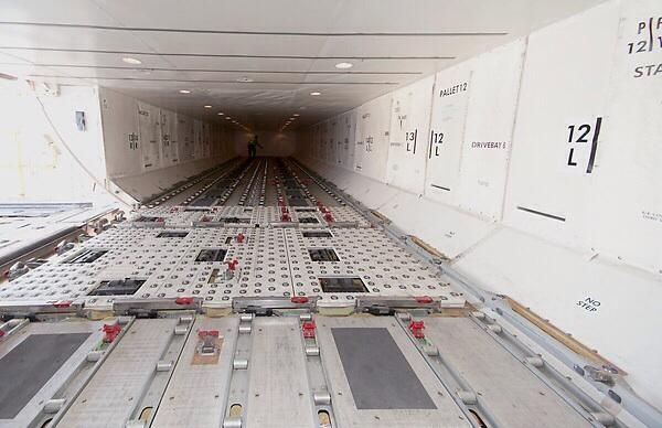 Boeing 777 Cargo Hold Air Cargo Aircraft Pinterest