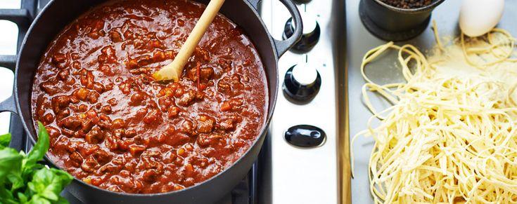 Köttfärssås, långkok - Bolognese. Anpassa något för LCHF & ersätt pasta med sjögräsnudlar eller squashstrimlor