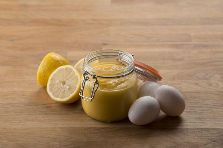 Foto: Magnus Wintersborg  Alle som har kjent meg en stund vet at jeg har en stor kjærlighet for lemon curd, eller sitronsmør om man vil. Jeg har da også skrevet veldig utfyllende om lemon curd tidlige