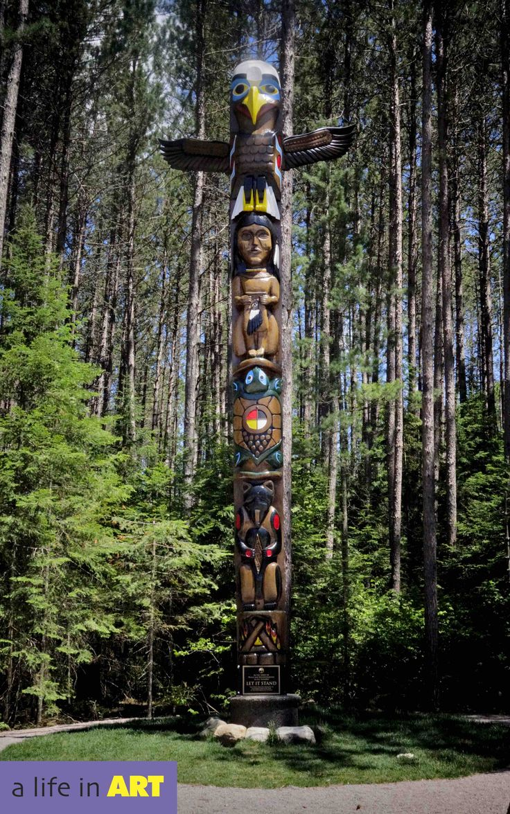 Great Totem at the entrance of Algonquin Park, Canada.