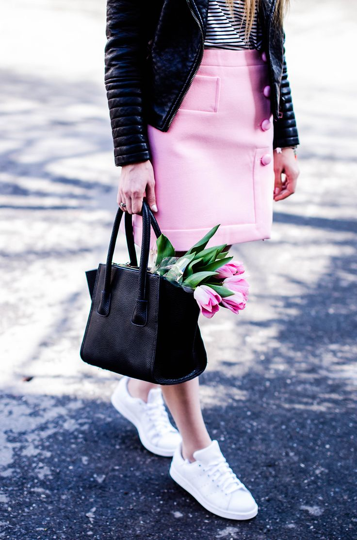 pink-a-line-skirt-adidas-stan-smith-leather-jacket-spring-outfit-pink-tulips-10.jpg 1.200×1.812 pixels