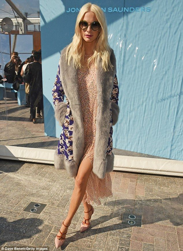Daisy Lowe and Poppy Delevingne bring the glamour to Jonathan Saunders #dailymail