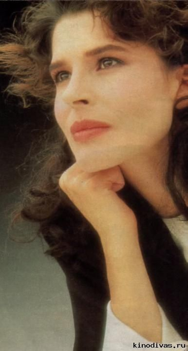 10+ images about Fanny Ardant on Pinterest | Coiffures ...