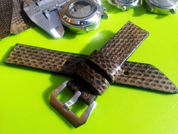 .: Snake skin Straps
