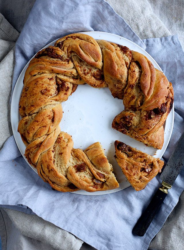 Bread with dates